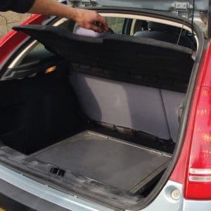 折りたたみ時 –トランク内でスペース非占有